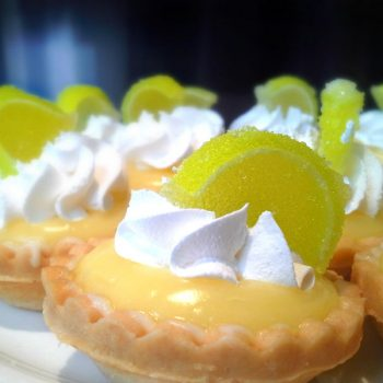 Lemon-custard-whip-cream-tarts