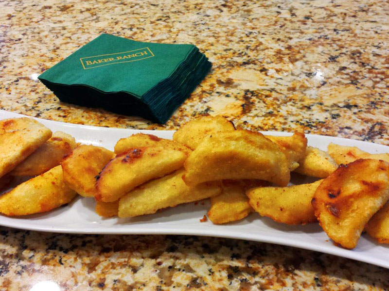suzannes-catering-at-baker-ranch-the-grove-vip-preview