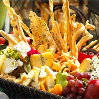 unique-wedding-catering-ideas-tuscan-inspired-appetizer-full